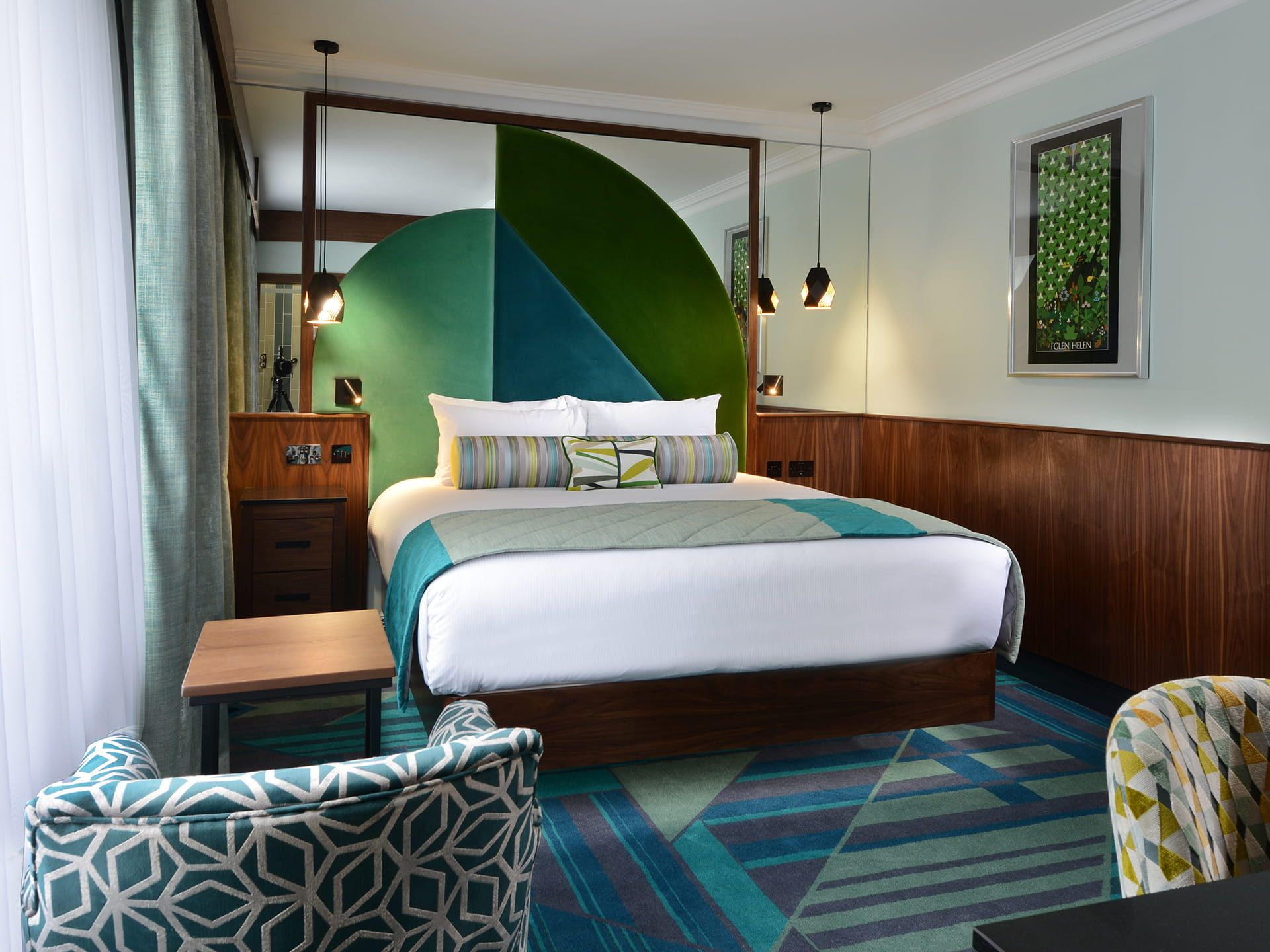 Superior Room with large bed in Arthaus hotel